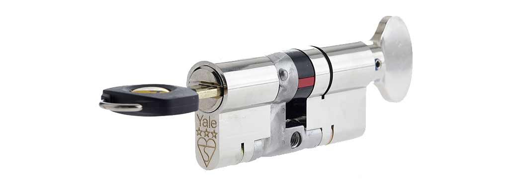 3 star Yale Lock - Zone CCTV Leeds